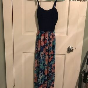 Lily Rose maxi dress. Size small